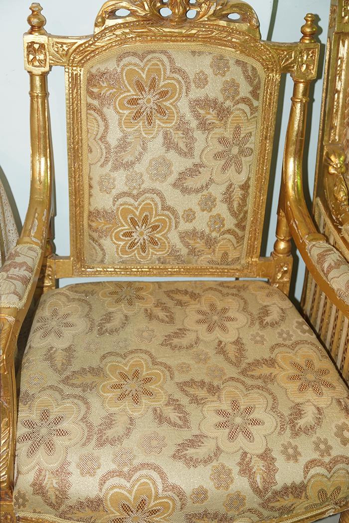 الآن للبيع وبكميات محدودة كراسي نابليون بألوانها وكراسي وطاولات للأفراح والقاعات i_46a094ea551.jpg